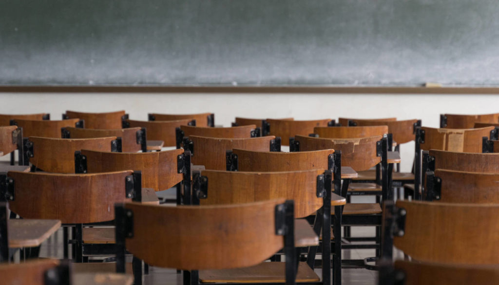 las-otras-aulas-vacias-un-recorrido-historico-a-traves-de-nuestras-clases-suspendidas